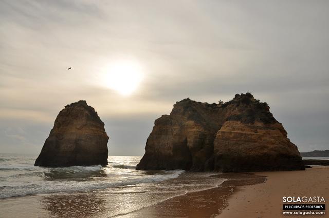 Caminhada na Praia da Rocha (Portimão)