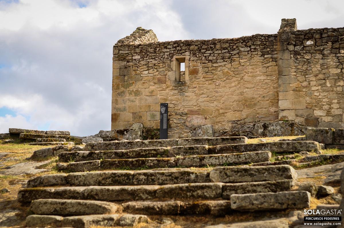 Caminhada na Aldeia Histórica de Castelo Mendo (Almeida)